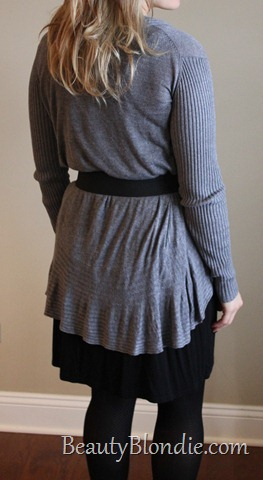 Long Grey Sweater With a Black Belt